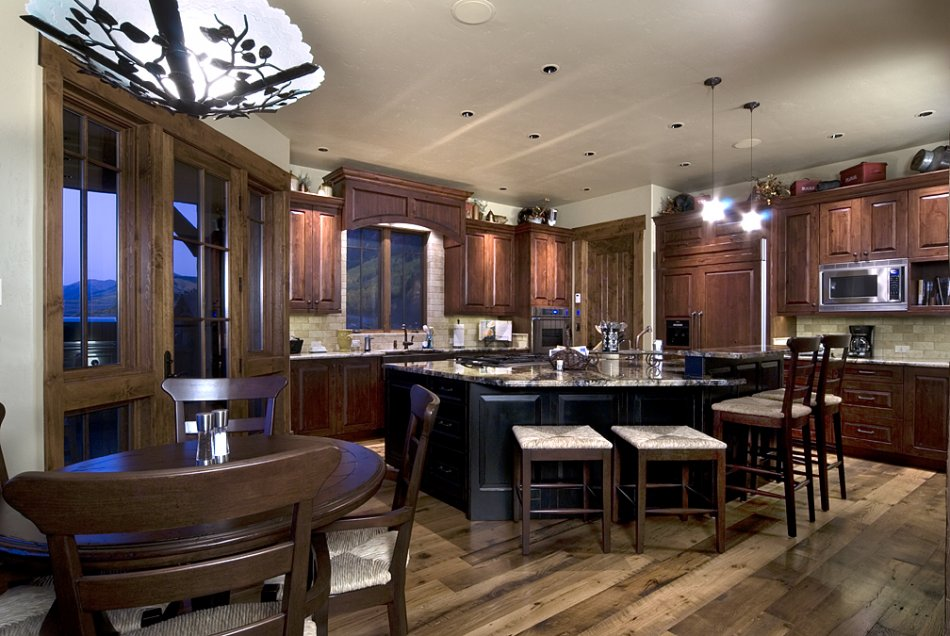 Great kitchen for entertaning